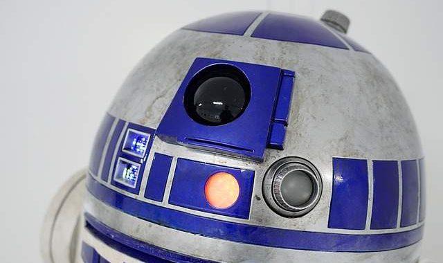 R2-D2 o C1-P8 robot Star Wars
