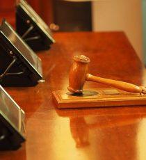 Giudice martello Corte